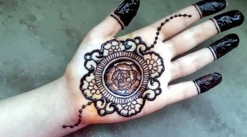 Gol Tikki Mehndi Designs